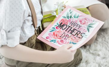 Canadian Gift Guide: Mother's Day 2020